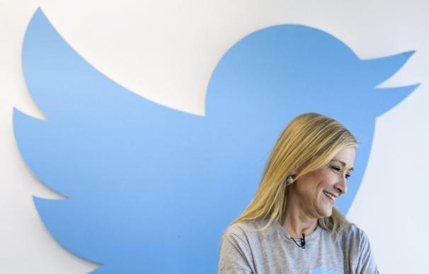 Cifuentes, la candidata regional con más seguidores en Twitter, contesta a los ciudadanos a través de Periscope