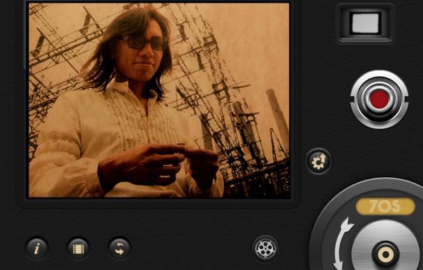 Montaje de imagen con un fotograma de 'Searching for Sugar Man' y la aplicación 8mm Vintage Camera