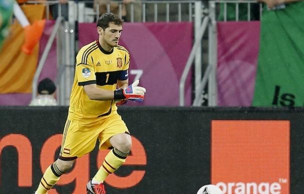 """Casillas: """"Vamos a defender el título que tanto luchamos por conseguir en 2008"""""""