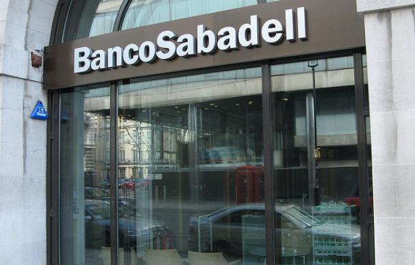 Sabadell rebota un 5% avalado por la falta de credibilidad del referéndum