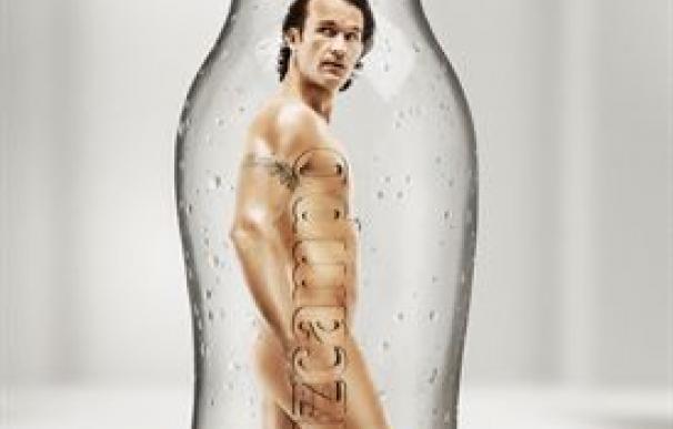 Carlos Moyà posa desnudo como nueva imagen de la cerveza light de Cruzcampo