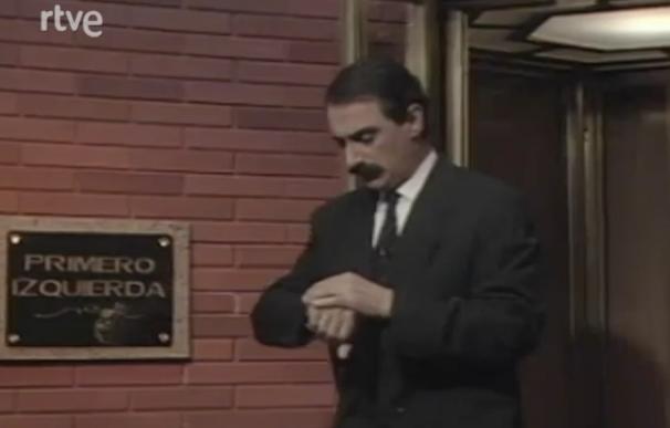 Carlos Herrera esperando a sus invitados en 'Primero Izquierda' (1991).