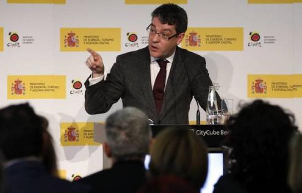Álvaro Nadal en un acto público.