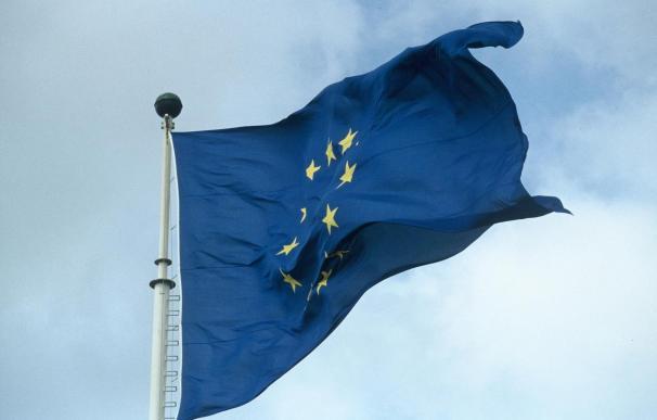 Bruselas dice que Catalunya fuera de la UE podría usar el euro sin poder de decisión