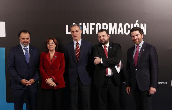 (De izq a dcha) Fernando de Yarza, Marisa Navas, Silvio González Moreno (Presidente de Atresmedia), Daniel Toledo e Íñigo de Yarza