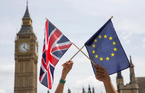 Más de 100 empresas exigen un acuerdo de transitoriedad de tres años post-Brexit