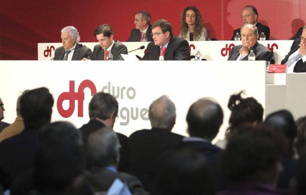 Ángel del Valle (centro), presidente de Duro Felguera
