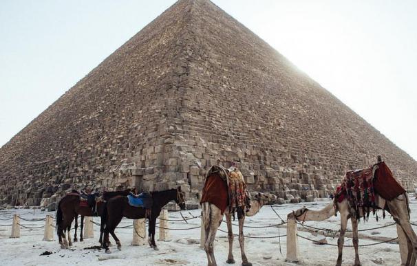 Fotografía de la Gran Pirámide de Keops
