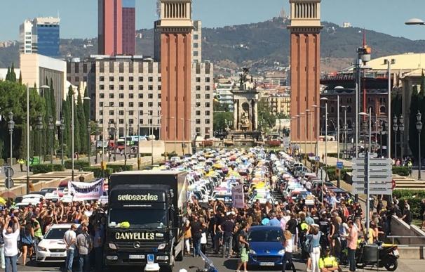 Autoescuelas alertan del colapso del sector por la huelga de examinadores y amenazan con un ERTE
