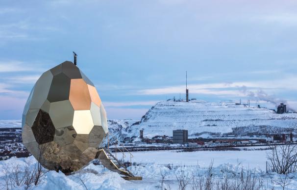 Fotografía del 'Solar Egg', la peculiar sauna sueca.