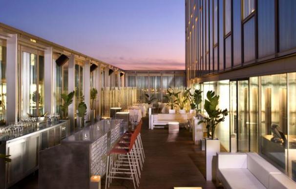 Imagen de la terraza del hotel Barcelona Sky.