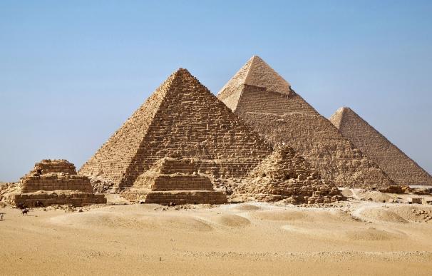 Fotografía de las pirámides de Guiza.