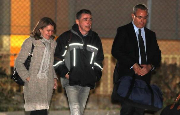 El expresidente de la Comunidad de Madrid, Ignacio González, a su salida de prisión