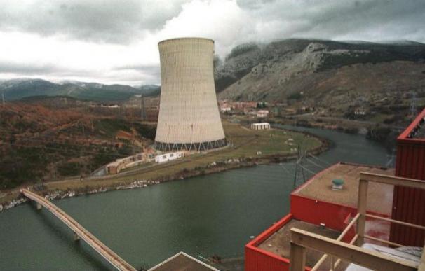 Fotografía de la central térmica de Velilla, en Palencia, propiedad de Iberdrola