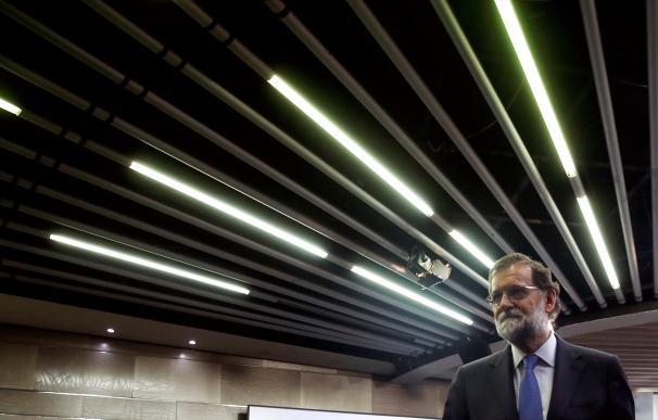 Rajoy suspende el Parlament y convoca elecciones en Cataluña el 21 de diciembre