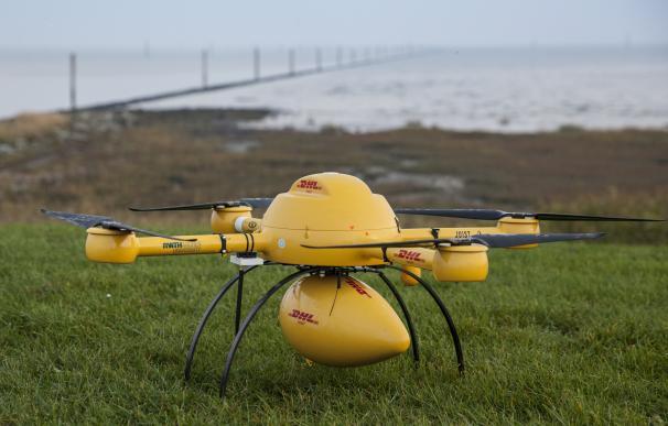 La alemana DHL comienza a usar drones para en sus centros logísticos de España