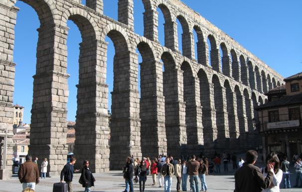 4. Acueducto de Segovia, España