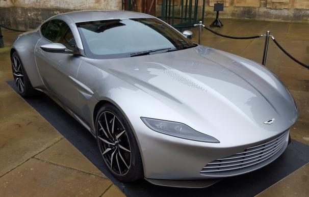 Aston Martin DB10, de James Bond