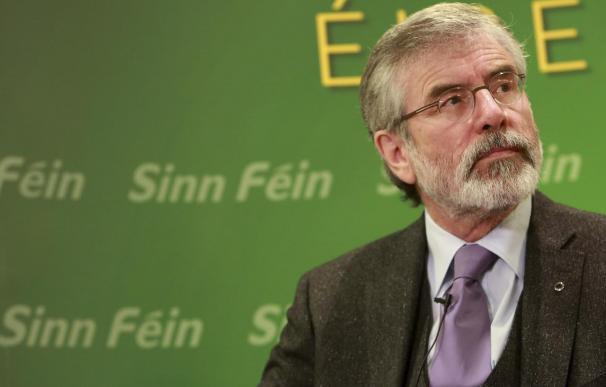 Gerry Adams demandará a los periódicos por un artículo relacionado con su hermano