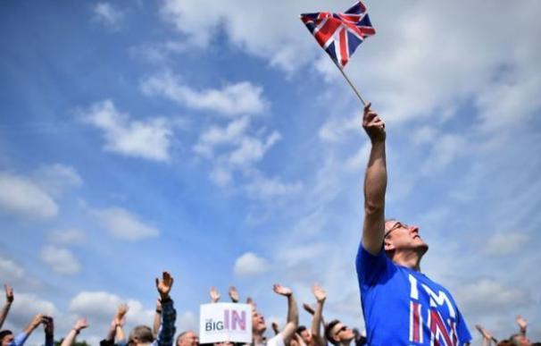 Más de tres meses después del Brexit, Londres sigue sin aclarar cómo se irá de Europa