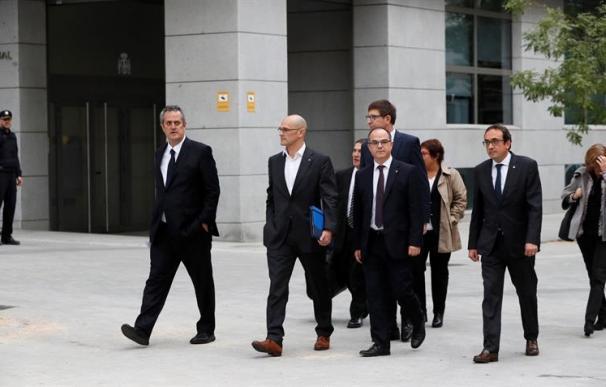 Fotografía de exconsejeros del Govern llegando a la Audiencia Nacional