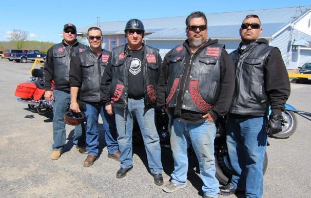 Miembros de la tribu durante una concentración motera / St. Regis Mohawk Reservation