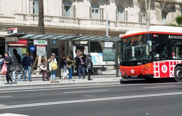 La empresa de transportes de Barcelona retira toda la publicidad de Metro y buses relacionada con el referéndum
