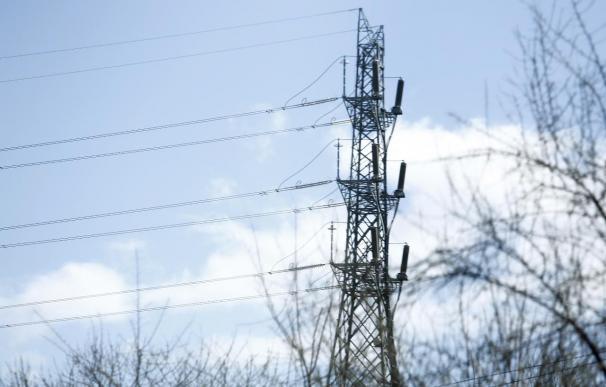 Las eléctricas estudiarán acciones legales si se dispara el déficit de tarifa