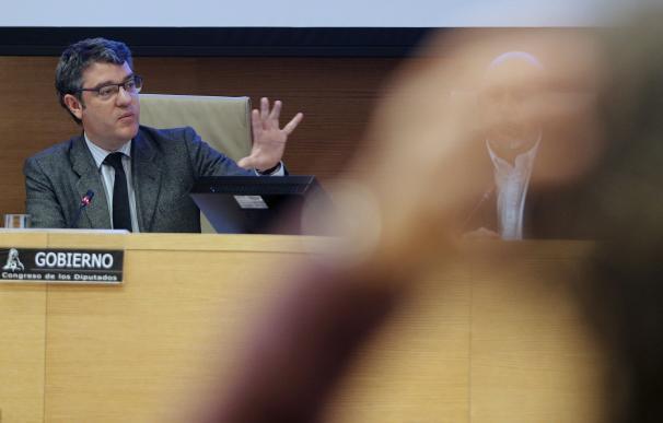 El ministro de Energía, Álvaro Nadal, durante su comparecencia ante la comisión correspondiente del Congreso. EFE/Mariscal