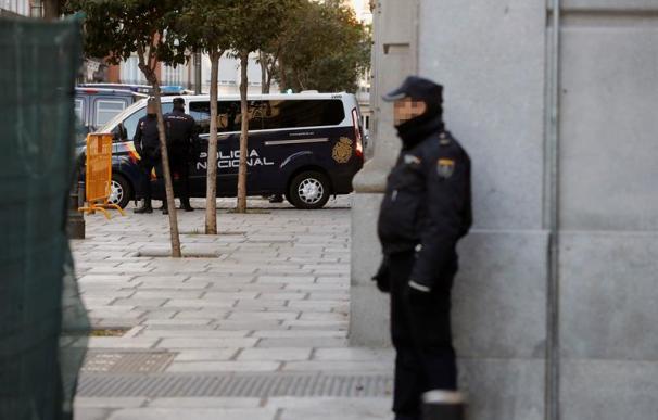 Imagen de un furgón policial en el Tribunal Supremo