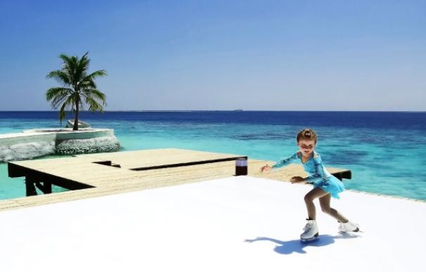 Fotografía de la pista de patinaje sobre hielo en las Maldivas.