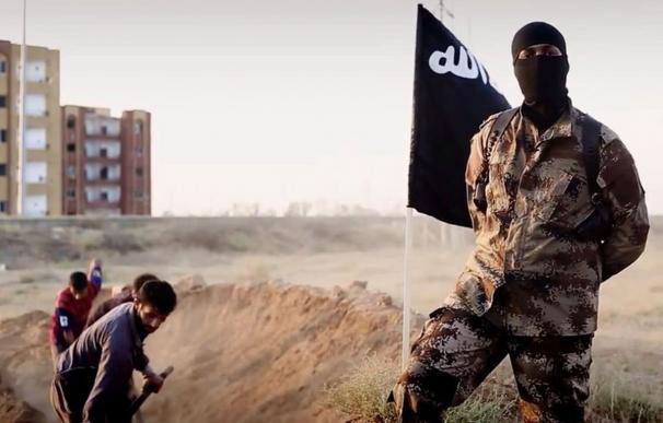 Fotograma de un vídeo del Daesh en el que muestran el asesinato de soldados sirios