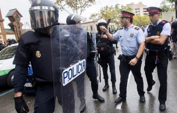 """Dos asociaciones de fiscales, a los Mossos: """"Hacen peligrar el Estado de Derecho"""""""