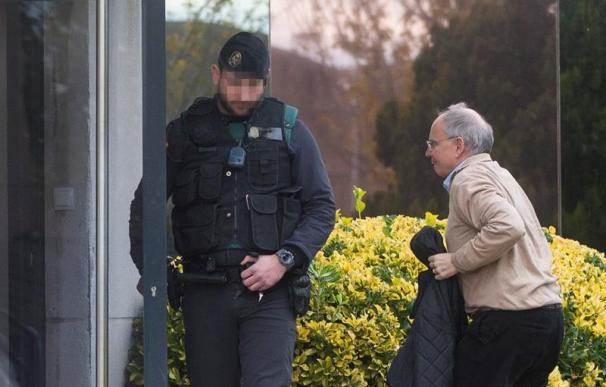 Fotografía de Raventós durante el registro de la Guardia Civil a Unipost
