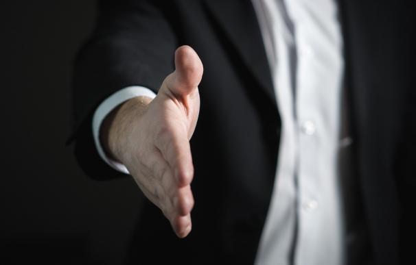 El lenguaje corporal es clave para conseguir lo que deseamos / Pixabay