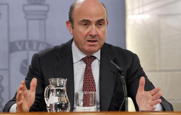El ministro de Economía y Competitividad, Luis de Guindos, durante una rueda de prensa. EFE/Archivo