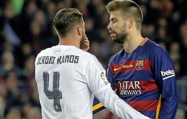 Sergio Ramos y Gerard Piqué, en un Clásico.