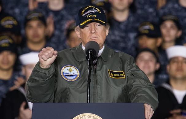 Donald Trump en una intervención en el el portaaviones Gerald R. Ford.