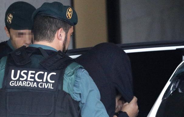 José Enrique Abuín Gey es trasladado por agentes de la Guardia Civil
