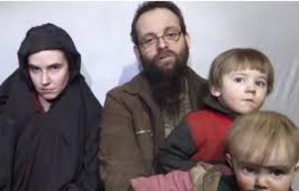 Joshua Boyle y su familia