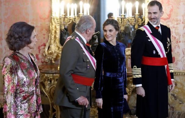 Felipe VI reconoce a su padre en la Pascua Militar