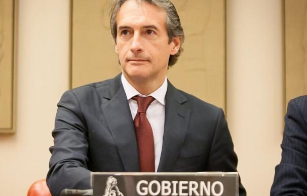 De la Serna explicará en el Congreso el conflicto de El Prat el mismo día de la resolución del arbitraje
