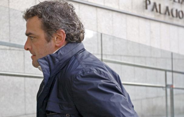 El ex jugador Javier de Pedro endirige al juzgado de San Sebastián. | Efe