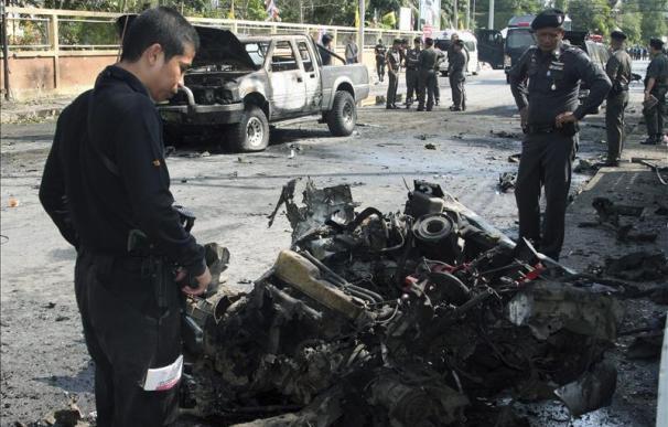 Al menos cuatro muertos en un atentado con bombas en el sur de Tailandia