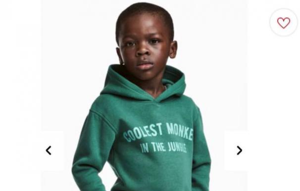 H & M pide perdón por la imagen de un niño negro con una sudadera racista