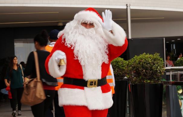 El disfraz de Papa Noel es más aparatoso debido a la barriga / Art DiNo