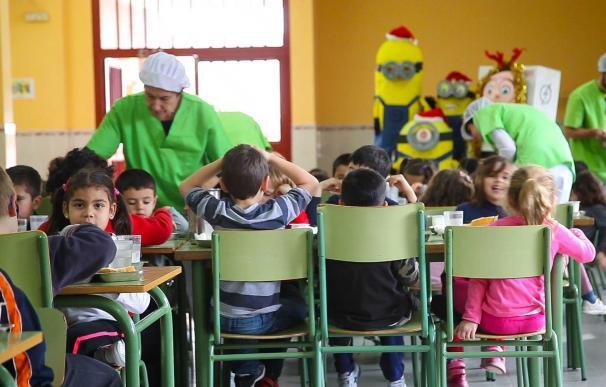 La Junta baraja nuevas actuaciones en el ámbito alimenticio contra la obesidad en los centros educativos