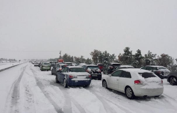 Miles de personas atrapadas por el temporal