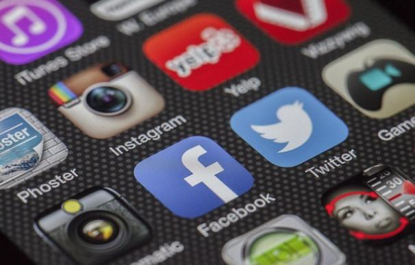 ¿Estamos enganchados a Facebook? / Pixabay