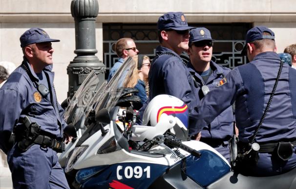 Fotografía de agentes de la Policía Nacional.